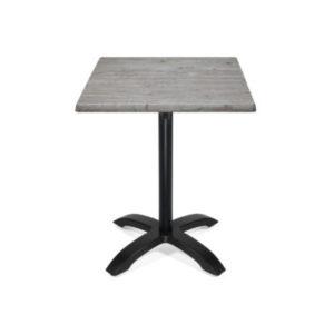Kvadratiskt bord